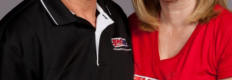 Jonathan and Kathy Hendley Stocking AMSOIL Dealers