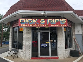 Dick_and_Rips_sign.309100533_std.jpg